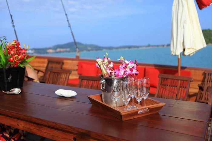 Ko Samui, Thailand : Romantic Sunset Dinner Cruise