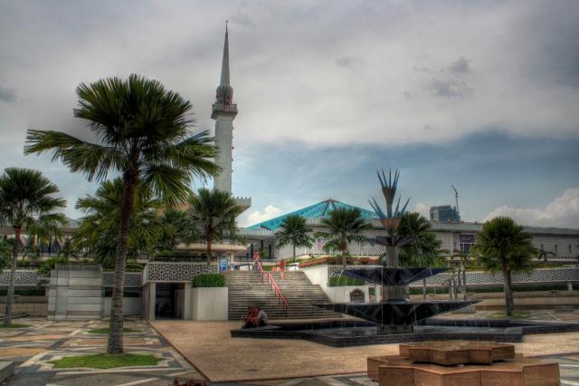 Things to do in Kuala Lumpur. Masjid Negara, the national mosque.
