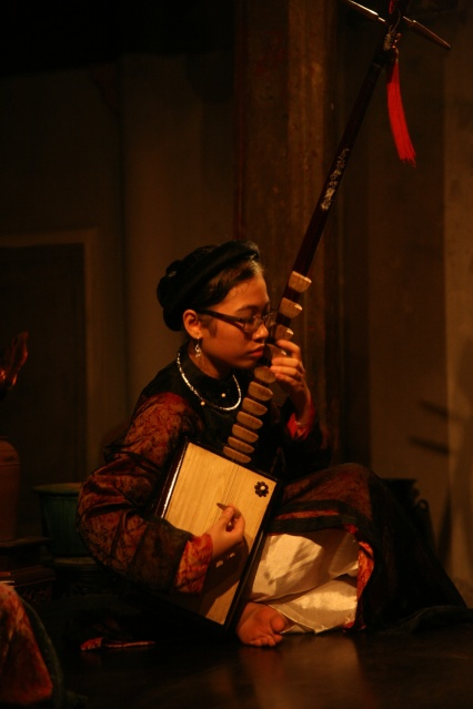 Traditional catru music concert around Hanoi. Top 10 Things to do in Vietnam.