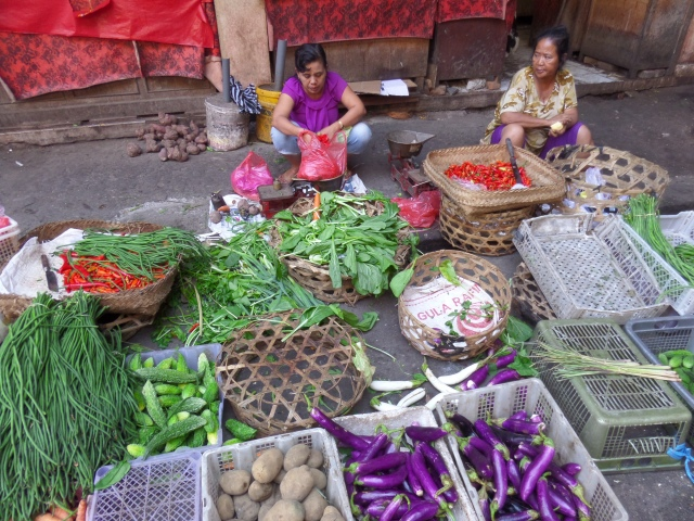 Traditional market of Ubud. Balinese Cooking Class.