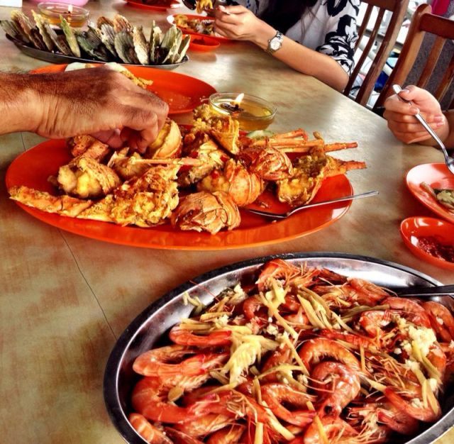 Chili Crab, Batam. Top 10 Best Indonesian food.