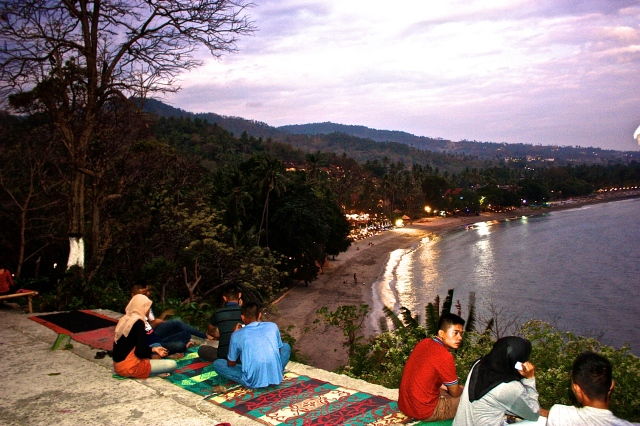 Senggigi's Road. 12 reasons to visit Lombok.