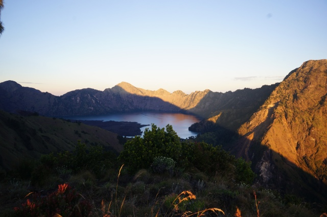Trekking Mount Rinjani. Things to do in Lombok.
