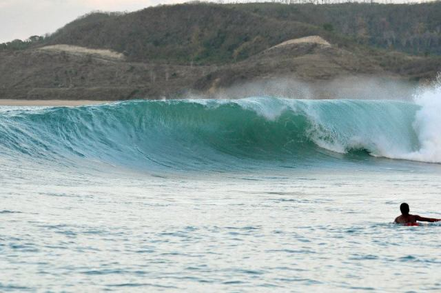 Surf in Lombok. 12 reasons to visit Lombok.