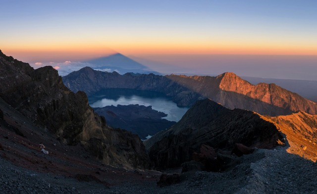 Top 10 Things to do in Lombok. Mount Rinjani Trekking.