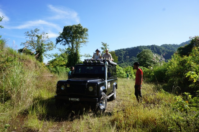 Top 10 Things to do in Lombok. Land Rover Safari and River Tubing.