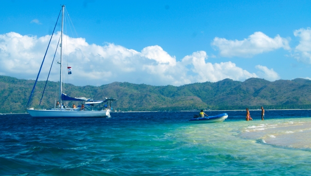 Top 10 Things to do in Lombok. Private sailing yacht to Private Sailing Yacht to Hidden Gili Islands.